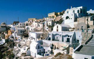 Tη 1η θέση στα 10 κορυφαία νησιά την Ευρώπη κατέλαβε η Σαντορίνη, τη 3η η Κρήτη και την 4η η Ζάκυνθος.