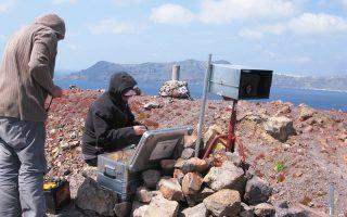 Κλιμάκιο του Ινστιτούτου Γεωλογικών και Μεταλλευτικών Ερευνών θα βρεθεί πάλι στη Σαντορίνη, για τις τακτικές δειγματοληψίες στη Νέα Καμένη.