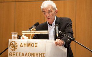 «Δεν εξυπηρετούμε την κυβέρνηση. Στηρίζουμε τη χώρα», τόνισε ο κ. Μπουτάρης, μιλώντας στο δ.σ. Θεσσαλονίκης.
