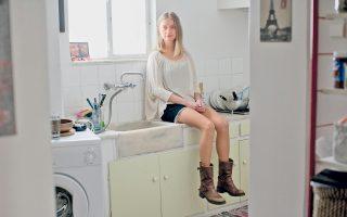 Η ηθοποιός Λένα Δροσάκη χαίρεται να περνάει χρόνο στο σπίτι της και στην κουζίνα της. Και αγαπάει να μαγειρεύει.