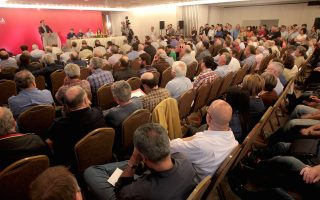 Ο πρωθυπουργός και πρόεδρος του ΣΥΡΙΖΑ Αλέξης Τσίπρας μιλά στην συνεδρίαση της Κεντρικής Επιτροπής του κόμματος του, Σάββατο 23 Μαΐου 2015. Συνεδριάζει σε κεντρικό ξενοδοχείο το Σάββατο και την Κυριακή η Κεντρική Επιτροπή του ΣΥΡΙΖΑ. ΑΠΕ-ΜΠΕ/ΑΠΕ-ΜΠΕ/Παντελής Σαίτας
