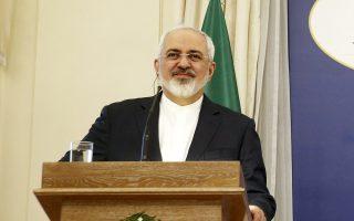 Ο Ιρανός ΥΠΕΞ Τζ. Ζαρίφ κατά τη διάρκεια της χθεσινής του συνέντευξης Τύπου, στην Αθήνα.