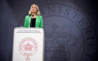 Η Δανή πρωθυπουργός, Χέλε Τόρνινγκ-Σμιτ, σε συνέντευξη Τύπου στην Κοπεγχάγη.