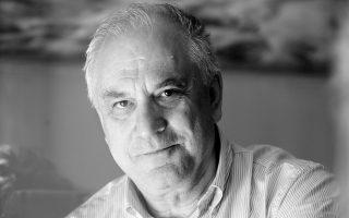 Ο Δημήτρης Δημητριάδης αυτοσυστήνεται σήμερα με τον δικό του ιδιότυπο αφαιρετικό και συμπυκνωμένο λόγο.