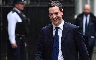 Σύμφωνα με την εφημερίδα Sunday Times, ο Βρετανός πρωθυπουργός αναμένεται να ορίσει τον υπουργό Οικονομικών Τζορτζ Όζμπορν επικεφαλής των διαπραγματεύσεων με την Ευρωπαϊκή Ένωση.