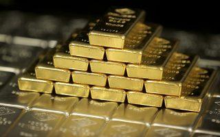 Ο χρυσός υποτίθεται ότι αποτελεί μια ασφαλή επένδυση, ωστόσο η τιμή του βρίσκεται στο έλεος των διακυμάνσεων του δολαρίου.