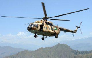 Πακιστανικό στρατιωτικό ελικόπτερο τύπου MI-17, σαν κι αυτό που συνετρίβη την Παρασκευή.