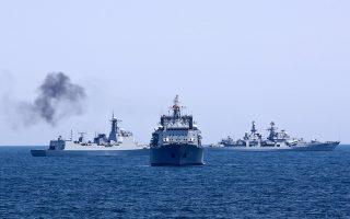 Τα τέταρτα κατά σειρά κοινά ναυτικά γυμνάσια πραγματοποιούν από χθες και για διάστημα δέκα ημερών η Ρωσία και η Κίνα, με θέατρο επιχειρήσεων, αυτή τη φορά, τη Μεσόγειο Θάλασσα.