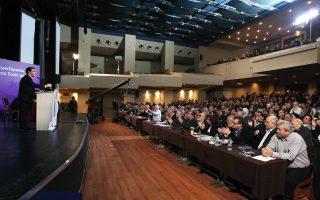 Η εκκρεμότητα γύρω από συμφωνία με τους εταίρους προκάλεσε μούδιασμα στον κομματικό μηχανισμό του ΣΥΡΙΖΑ, με αποτέλεσμα να αναβληθεί η συνεδρίαση της Κεντρικής Επιτροπής.