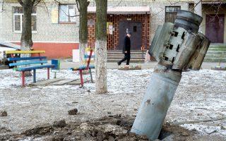 Η ανοικοδόμηση θα πρέπει να περιμένει την έκβαση του καινούργιου δράματος που εκτυλίσσεται σε αυτά τα χώματα, τα γεμάτα μέταλλο και ποτισμένα με αίμα, στην Ανατολική Ουκρανία.