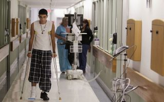 Η απειλή των ενδονοσοκομειακών λοιμώξεων κάνει πολλούς ασθενείς να βλέπουν με θετικό μάτι την επιλογή της κατ' οίκον νοσηλείας.