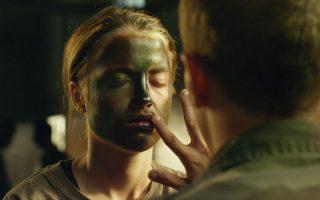 Η Αντέλ Ενέλ και ο Κέβιν Αζαΐς δίνουν εξαιρετικές ερμηνείες στην ταινία του πρωτοεμφανιζόμενου σκηνοθέτη Τομά Καϊγέ «Ερωτας με την πρώτη μπουνιά».