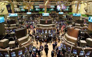 Η έκθεση που έχουν πλέον οι διεθνείς επενδυτές στον S&P 500 είναι η μικρότερη των τελευταίων επτά χρόνων.