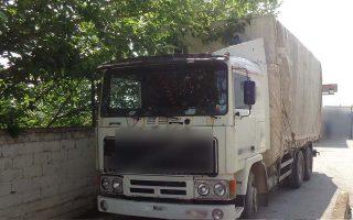 Το φορτηγό με το οποίο οι διακινητές σκόπευαν να μεταφέρουν τους μετανάστες