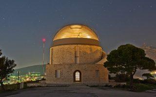 Ο θόλος του τηλεσκοπίου Newall στο Εθνικό Αστεροσκοπείο Αθηνών. Το κτίριο της Πεντέλης είναι σήμερα ένας χώρος ανοιχτός στο κοινό, όπου πραγματοποιούνται ξεναγήσεις μία στις τρεις νύχτες του χρόνου προσελκύοντας κατά μέσο όρο από 15 έως 20 χιλιάδες άτομα. Φωτογραφία του Θεοφάνη Ματσόπουλου.
