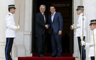 Ο πρωθυπουργός Αλ. Τσίπρας, μετά τη συνάντηση που είχε στο Μέγαρο Μαξίμου με τον Αυστριακό καγκελάριο, Βέρνερ Φάιμαν, κάλεσε τις ηγεσίες της Ευρώπης να λάβουν «πολιτικές αποφάσεις».