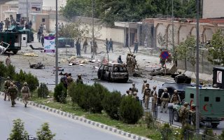 Ανησυχίες για τη δυνατότητα των ενόπλων δυνάμεων του Αφγανιστάν να διασφαλίσουν την τάξη μετά την αποχώρηση των δυνάμεων του ΝΑΤΟ προκάλεσε η χθεσινή, θεαματική επίθεση των Ταλιμπάν στο Κοινοβούλιο της χώρας, στο κέντρο της Καμπούλ.