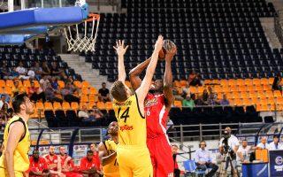 Ο Ολυμπιακός επικράτησε με 79-62 του Αρη στη Θεσσαλονίκη και από την Κυριακή θα διεκδικήσει μαζί με τον Παναθηναϊκό τον τίτλο του πρωταθλητή.