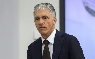 Ο Ελβετός εισαγγελέας Μίχαελ Λάουμπερ μίλησε για «εγκληματική κακοδιαχείριση και ξέπλυμα χρήματος» αναφορικά με τη διεκδίκηση των διοργανώσεων του 2018 και του 2022.