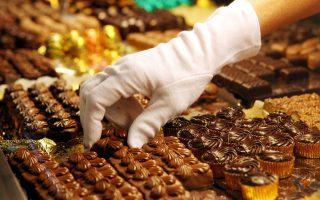 Aσπίδα προστασίας για την καρδιακή υγεία η σοκολάτα, ακόμα και αν είναι γάλακτος.