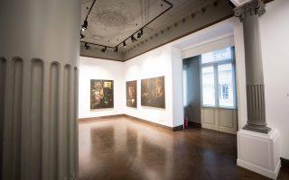 Εντυπωσιακά όμορφη η νέα γκαλερί που άνοιξε στο Κολωνάκι από την οικογένεια του Κώστα Ευριπίδη.