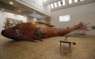 «Το Ψάρι», γλυπτό του διάσημου αρχιτέκτονα Φρανκ Γκέρι, μαγνητίζει το ευρύ κοινό.