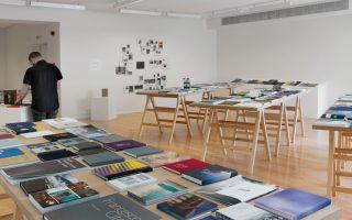 Επιλεγμένα βιβλία από όλον τον κόσμο παρουσιάζονται στην έκθεση «The Photobook Exhibition».