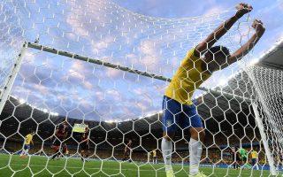 Η ήττα με 7-1 στον περσινό ημιτελικό του Μουντιάλ από τη Γερμανία δεν έχει ξεπεραστεί από τους Βραζιλιάνους ποδοσφαιριστές, οι περισσότεροι εκ των οποίων έχουν μόνο το όνομα του «Βραζιλιάνου», αλλά σε καμία περίπτωση τη χάρη και το ταλέντο των προκατόχων τους.