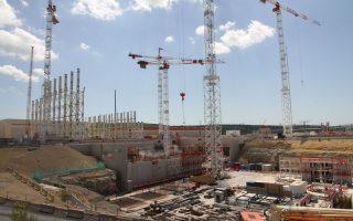 Οι εργασίες στο εργοτάξιο του Διεθνούς Πειραματικού Θερμοπυρηνικού Αντιδραστήρα, γνωστού ως ITER, κοντά στο ερευνητικό κέντρο Κανταράς στη νότια Γαλλία, κατά την επίσκεψη της «Κ» στις εγκαταστάσεις τον Μάιο.