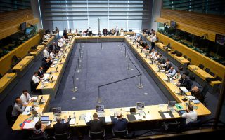 Στιγμιότυπο από τη δεύτερη ημέρα της κρίσιμης συνεδρίασης του Eurogroup που πραγματοποιήθηκε χθες στις Βρυξέλλες.