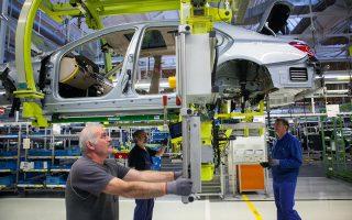 Πάντως με τα μέτρα που πήρε η Γερμανία η ανεργία υποχώρησε από το 11% το 2005 στο 5% το 2014.