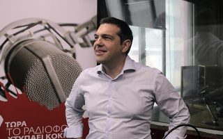 Εκκληση στον πρωθυπουργό Αλέξη Τσίπρα να αποφευχθούν οι πρόωρες βουλευτικές εκλογές το Φθινόπωρο απευθύνουν με κοινή επιστολή τους τα Επιμελητήρια της Θεσσαλονίκης Εμπορικό και Βιομηχανικό (ΕΒΕΘ) Βιοτεχνικό (ΒΕΘ), Επαγγελματικό (ΕΕΘ), ο Εμπορικός Σύλλογος και οι Σύνδεσμοι Βιομηχανιών (ΣΒΒΕ) και Εξαγωγέων Βορείου Ελλάδος