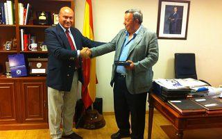 Ο ένας είναι γενικός γραμματέας σε ελληνικό υπουργείο, ο άλλος γενικός διευθυντής σε ισπανικό υπουργείο. Βρείτε ποιος είναι ποιος...