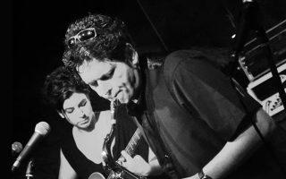 Μουσικοί των συγκροτημάτων η Πόπη Νταλαχάνη και ο Σωτήρης Τράγκας, ίδρυσαν πριν από 13 χρόνια τους Dilemma, χωρίς μουσικά διλήμματα, με επιρροές από την τζαζ, τη ροκ και την κλασική, αλλά και θεατρικές ατμόσφαιρες.