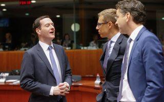 Ο βρετανός υπουργός Οικονομικών με τον φινλανδό ομόλογό του και τον Γ. Ντάισελμπλουμ στο ECOFIN της Τρίτης.