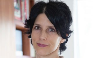H Karyn Freedman μεταφέρει στο βιβλίο της μια ιδιαζόντως ακραία εμπειρία της.