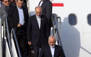Με μια ιστορική συμφωνία στις αποσκευές τους επέστρεψαν χθες στην Τεχεράνη ο Ιρανός υπουργός Εξωτερικών, Τζαβάντ Ζαρίφ, και ο επικεφαλής της ιρανικής επιτροπής ατομικής ενέργειας, Αλί Ακμπάρ Σαλεχί.