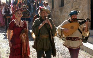 Υπό τη σκιά των πολιτικών εξελίξεων αλλά με δύναμη και ψυχραιμία ολοκληρώθηκαν επιτυχώς οι εκδηλώσεις του φετινού 9ου Μεσαιωνικού Φεστιβάλ της Ρόδου.