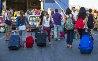Τις τελευταίες ημέρες οι κρατήσεις των ακτοπλοϊκών εισιτηρίων από Ελληνες ταξιδιώτες έχουν επανέλθει στα φυσιολογικά για την εποχή επίπεδα, μετά το «πάγωμα» της κινητικότητας.