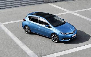 Ο ανασχεδιασμός του Auris δίνει την αίσθηση ότι το αυτοκίνητο έχει φαρδύνει, ενώ στην καμπίνα η ποιότητα, το φινίρισμα, η εργονομία έχουν τον πρώτο λόγο.