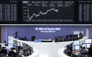 Στη Φρανκφούρτη, ο δείκτης Dax αναρριχήθηκε 2,32% και ο δείκτης Cac-40 στο Παρίσι παρουσίασε άνοδο 2,55%.