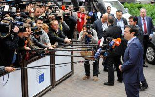 Ο κ. Αλ. Τσίπρας τόνισε στους ομολόγους του ότι έχει επίγνωση πως η διαπραγμάτευση θα καταλήξει σε σκληρή και δύσκολη συμφωνία, αλλά ότι είναι αποφασισμένος να φέρει τη συμφωνία πίσω στην Αθήνα.