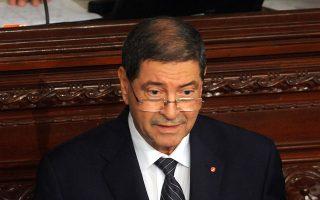 Την ανέγερση τείχους ασφαλείας στα σύνορα με τη Λιβύη ανακοίνωσε χθες ο Τυνήσιος πρωθυπουργός, Χαμπίμπ Εσίντ.