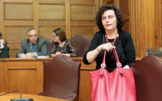 Οι αποκαλύψεις για τις 100.000 της μητέρας της κ. Νάντιας Βαλαβάνη προσέδωσαν σασπένς στο κυβερνητικό «σίριαλ».