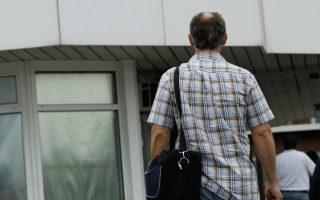 Οι Γερμανοί άνω των 65 ετών συνεχίζουν να εργάζονται, κάτι που οφείλεται μόνο εν μέρει στην αύξηση του ορίου συνταξιοδότησης, καθώς σημαντικός παράγοντας είναι και το οικονομικό ζήτημα.