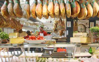 «Η αλήθεια είναι ότι και κάποια είδη τυριού, ιδιαίτερα αυτά με την πολύ έντονη μυρωδιά, περιέχουν υψηλά επίπεδα αυτής της λιπαρής γεύσης όπως και τα διάφορα τρόφιμα που ταγγίζουν» αναφέρει ο συντάκτης της έκθεσης, Ρίτσαρντ Μάτες, καθηγητής επιστημών διατροφής στο Πανεπιστήμιο Πέρντιου.