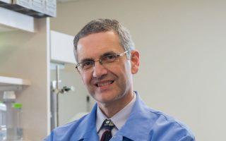 Ο κ. Πάνος Αναστασιάδης, καθηγητής της έδρας Καρκινικής Βιολογίας στην κλινική Mayo, είναι απόφοιτος του ΑΠΘ.