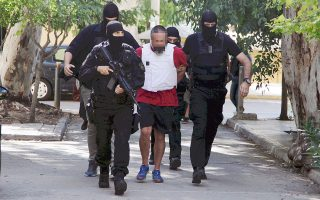 Διώξη, μεταξύ άλλων, για τρομοκρατικές πράξεις ασκήθηκε στον Γ. Πετρακάκο μετά την απολογία του.