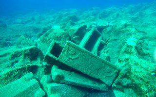 Το ναυάγιο των λίθινων σαρκοφάγων στις βόρειες ακτές της Σαπιέντζας. Τα αποτελέσματα της γεωφυσικής έρευνας θα δώσουν πληροφορίες για τη θέση ναυάγησής του.