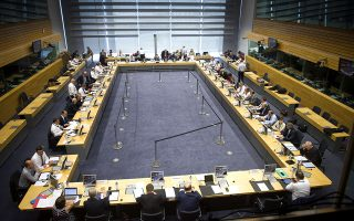 """Ρεΐτεώγ γλίώα σθμεδώΏασγρ τοθ Eurogroup τγμ θώιαξό 12 …οθκΏοθ 2015, στιρ ¬ώθνίκκερ. (EUROKINISSI/≈'―Ό–ΝΎ« ≈ΆΌ""""«)"""